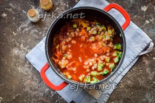 заливаем томатной заливкой