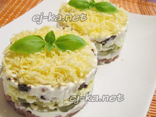 салат с говядиной готов