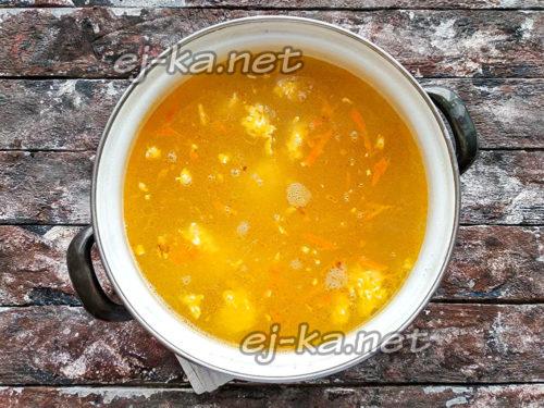 Добавить куриное мясо в суп