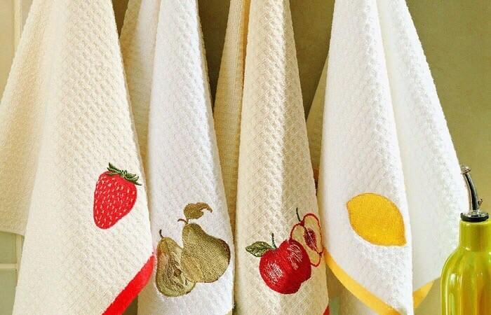 Как отстирать кухонные полотенца с маслом