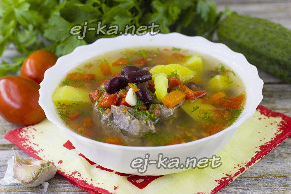 Суп из фасоли в томатном соусе из банки