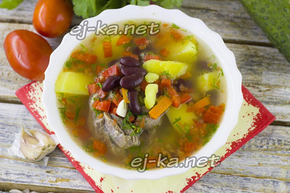 Суп из фасоли из банки с томатным соусом