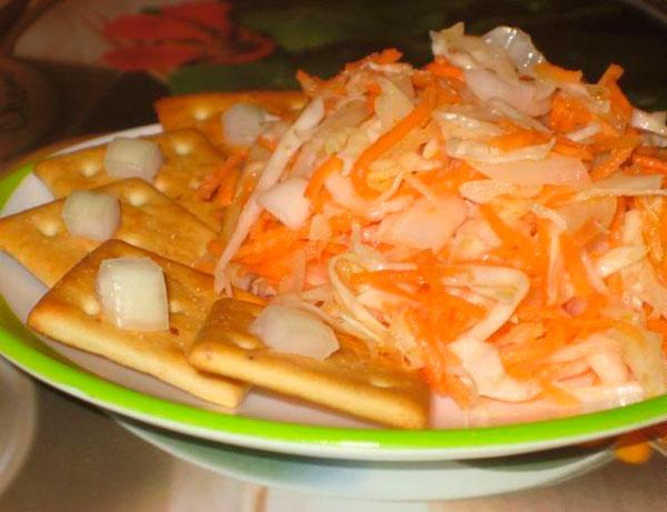 Простой рецепт квашеной капусты в кастрюле