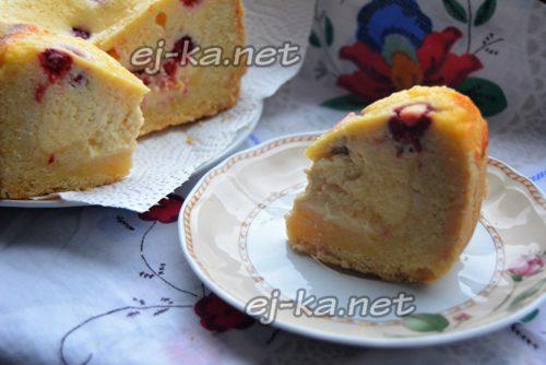 нарезать пирог на кусочки