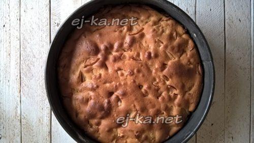 выпекать пирог до готовности