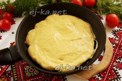запечь тесто на сковороде