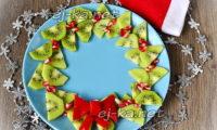 Рождественский венок из киви