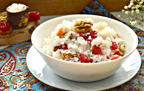 Рисовая кутья с грецким орехом и сухофруктами