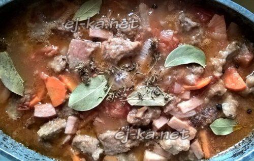добавить мясо и бекон