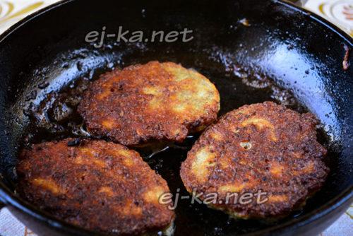 котлеты из куриной печени готовы