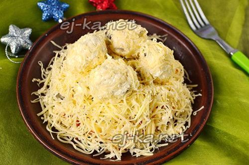 салат Рафаэлло готов