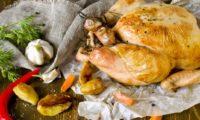 Как приготовить курицу в духовке целиком с хрустящей корочкой