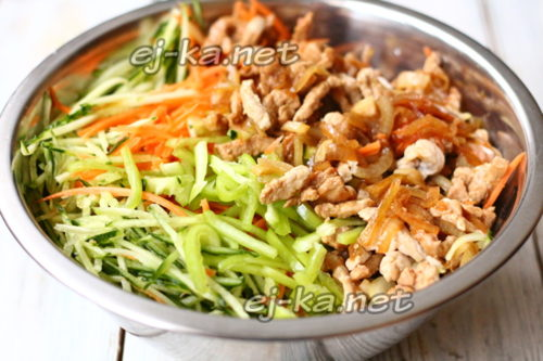 добавить овощи мясо