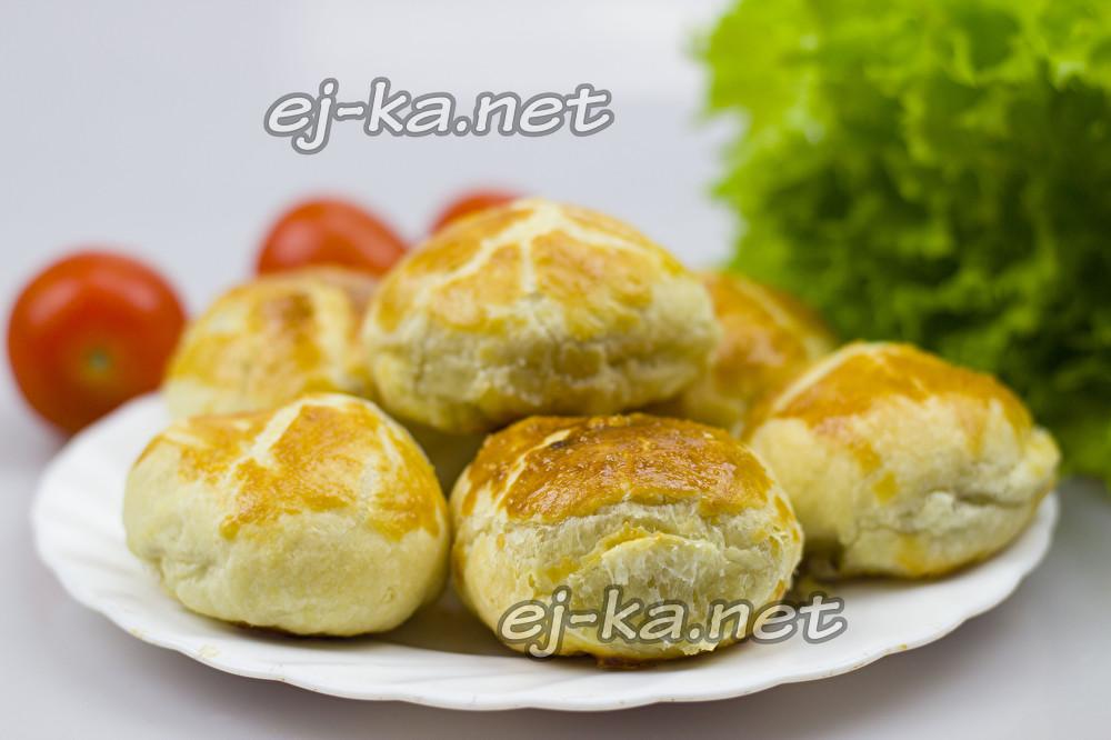 пирожки из слоеного теста с мясом в духовке