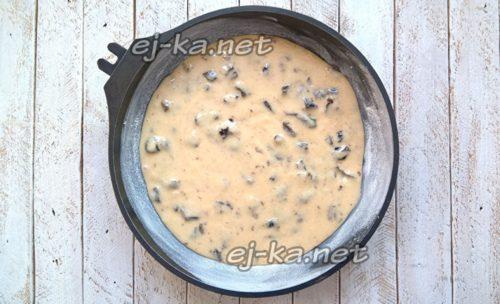 выложить тесто в форму для выпекания