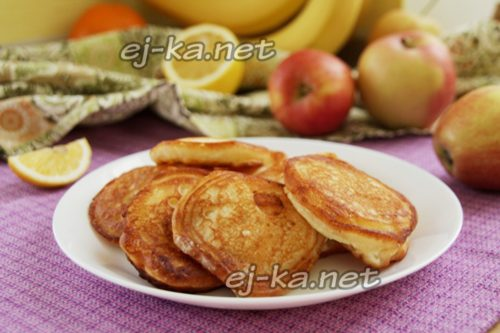 оладьи с яблочной начинкой готовы