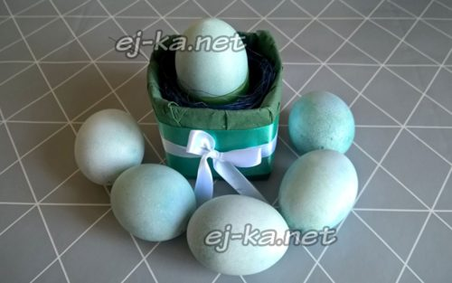 крашеные яйца готовы