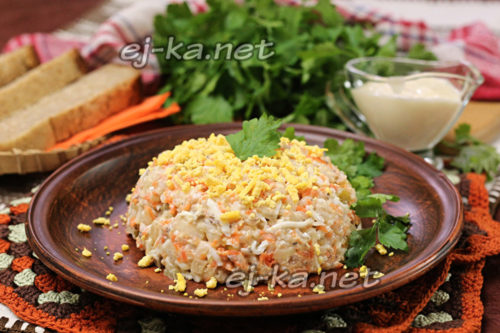 салат из сайры готов