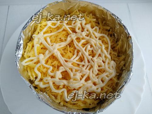 слой сыра и майонеза