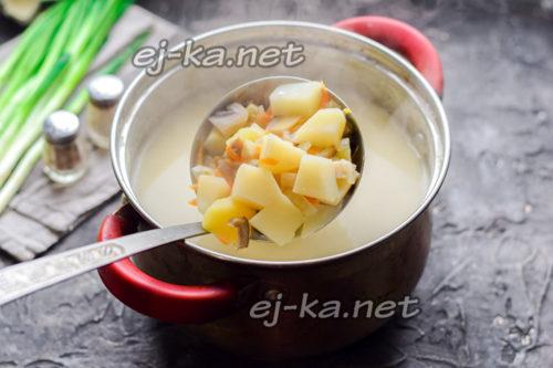 варить суп до готовности