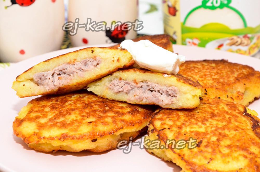 картофельные драники с мясной начинкой