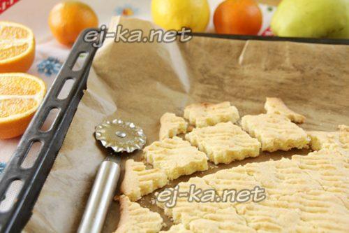 нарезать печенье на ромбы