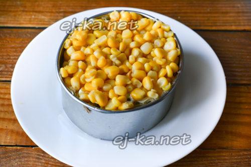 слой консервированной кукурузы