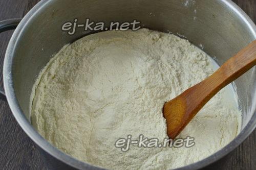 добавить сухое молоко