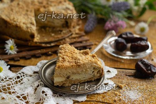 песочный пирог с творогом готов