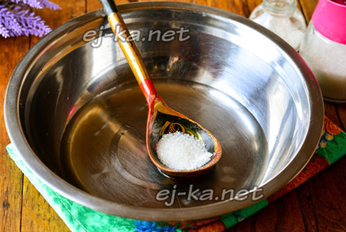 добавить сахар в воду