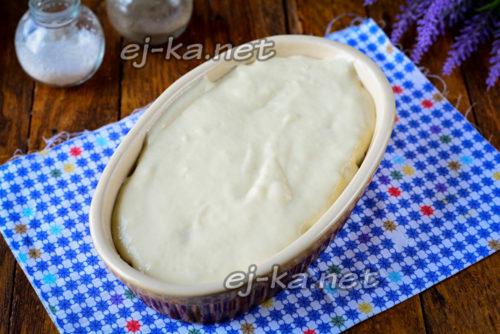 залить пирог оставшимся тесто