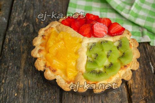 украсить фруктами