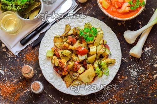 кабачки, картошка и томаты