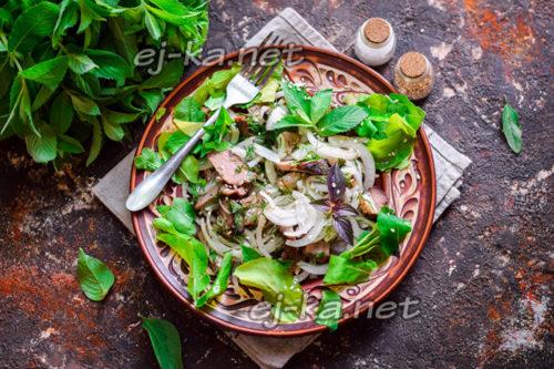 салат из остатков шашлыка