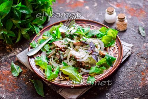 шашлычный салат с луком