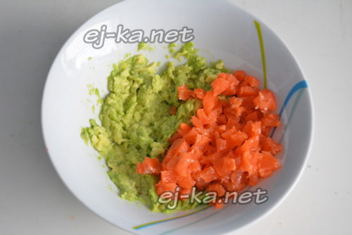 рыба и авокадо
