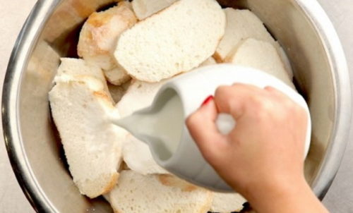 hleb v moloke