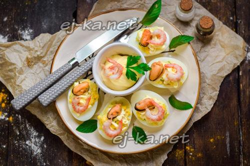 яйца фаршированные морепродуктами