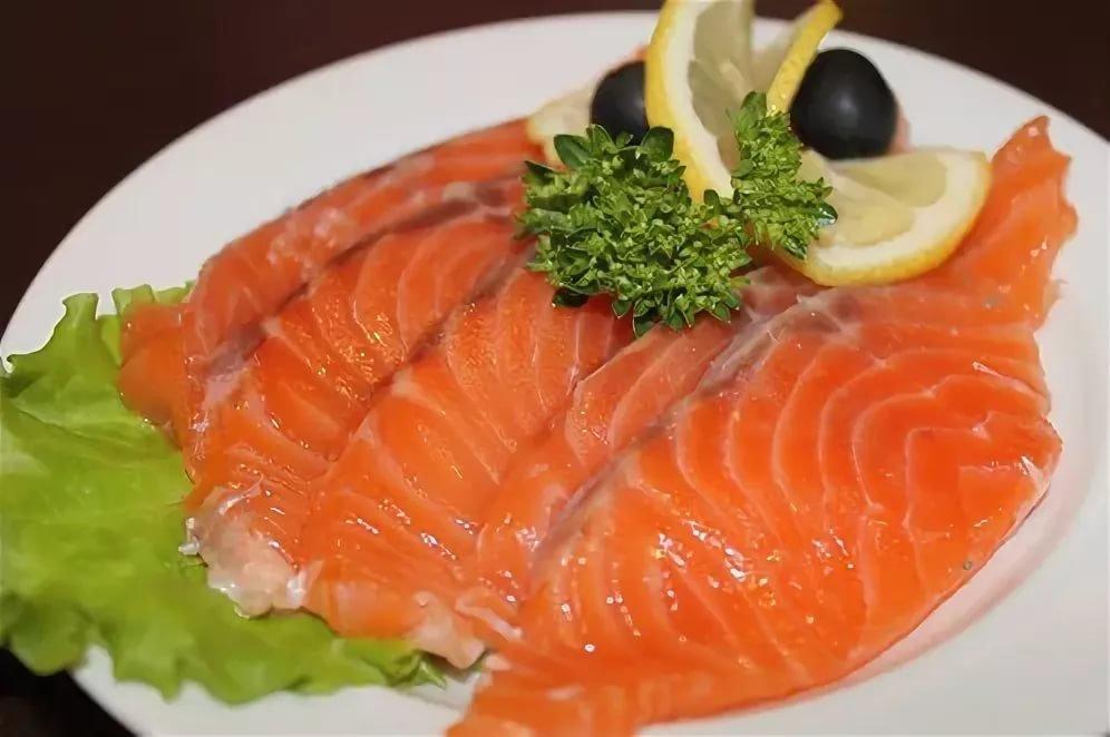 фото с красной рыбой частности