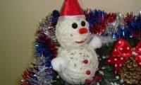 снеговик из ниток