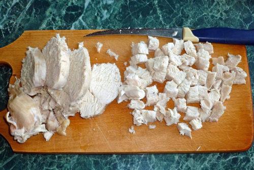 порезать вареное филе