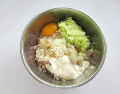 кабачок яйца лук фарш