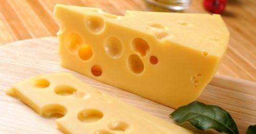 нарезанный сыр маасдам