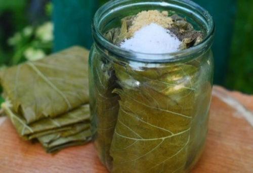 listja s solju v banke