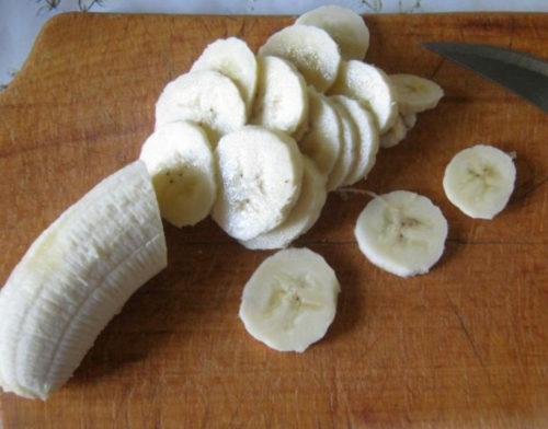 Порезать бананы