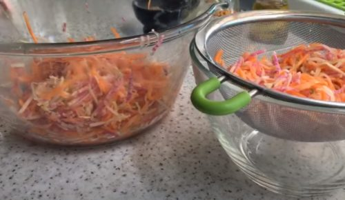 откиньте овощи