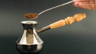 Какая турка для кофе лучше: советы по выбору с учетом материалов и прочих характеристик