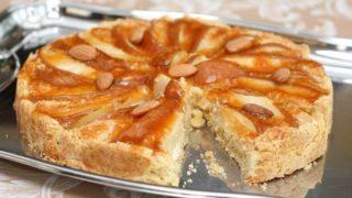 Рождественский пирог с яблоками и творогом